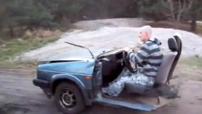 voiture russe deux roues