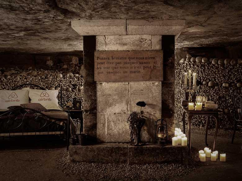 aurez vous le courage de dormir dans la plus grande tombe de paris chambre