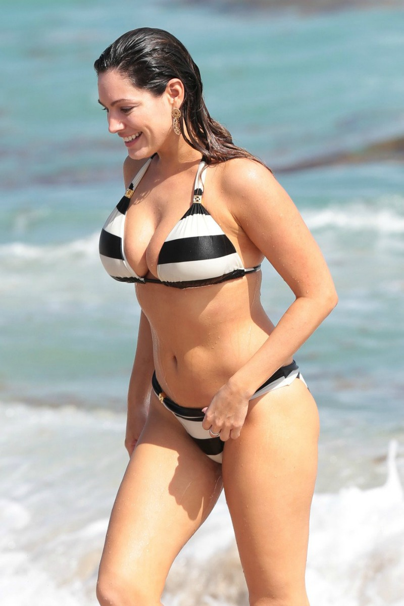 kelly brook le corps parfait selon la science plage