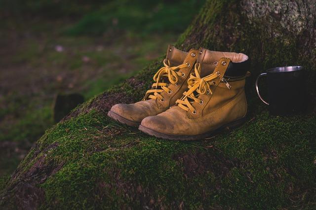 Paire de chaussures équitable