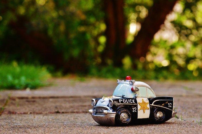 Voiture de police miniature