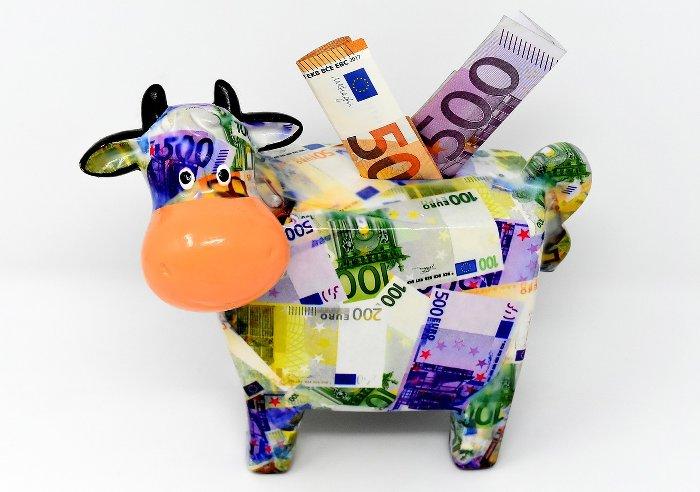 des Euros dans la tirelire